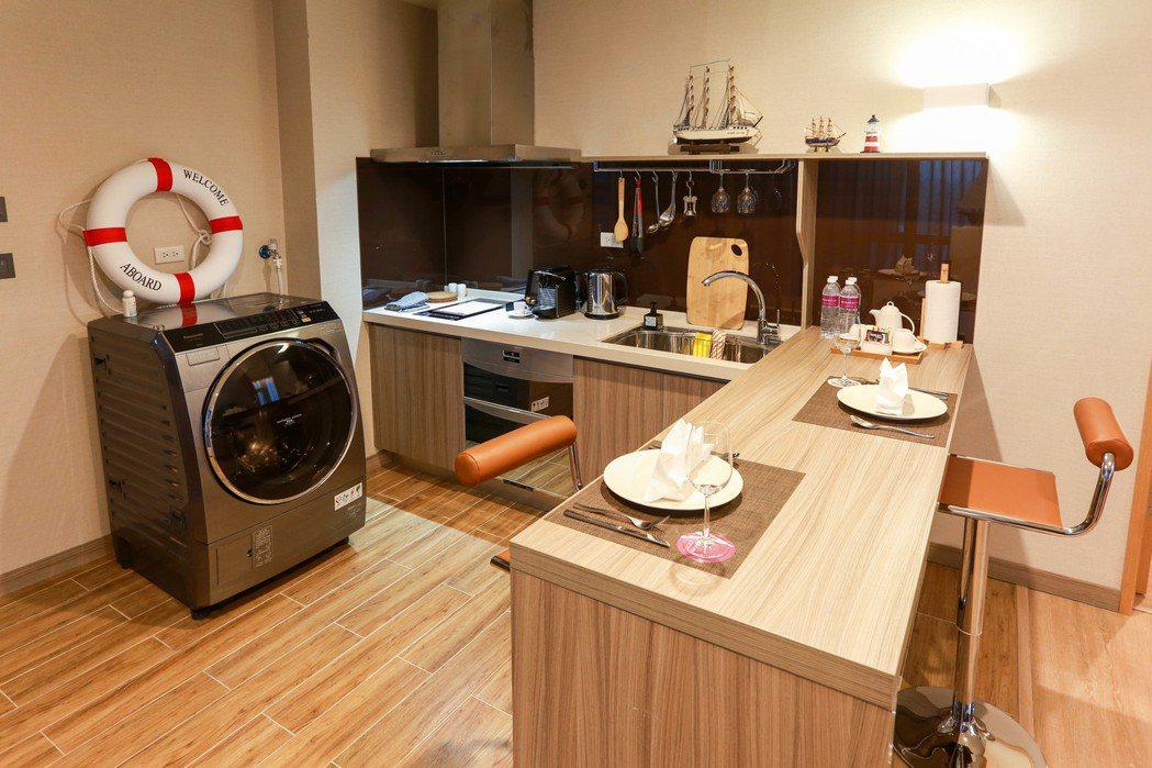 洗烘脫的洗衣機,住多久都像在家一般方便。 AJ HOTEL/提供