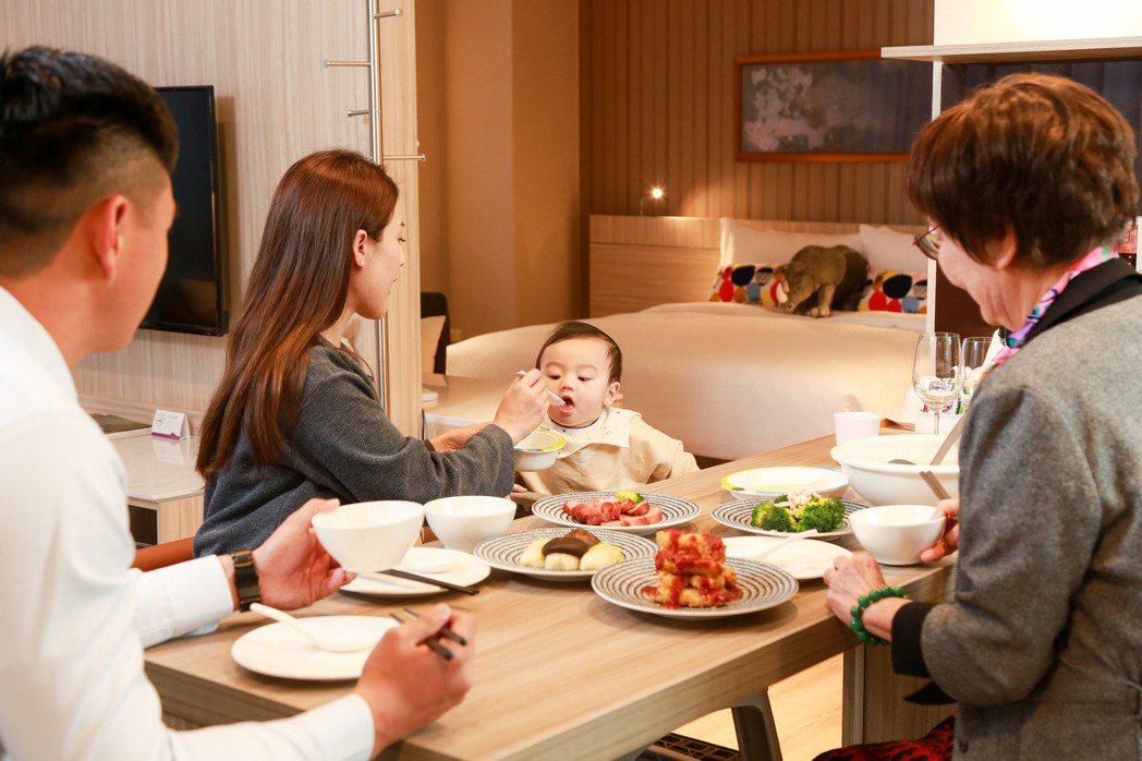 安捷國際酒店是少見的一房一廳公寓式飯店,套房與客房、廚房設備完善,可以滿足親人外...