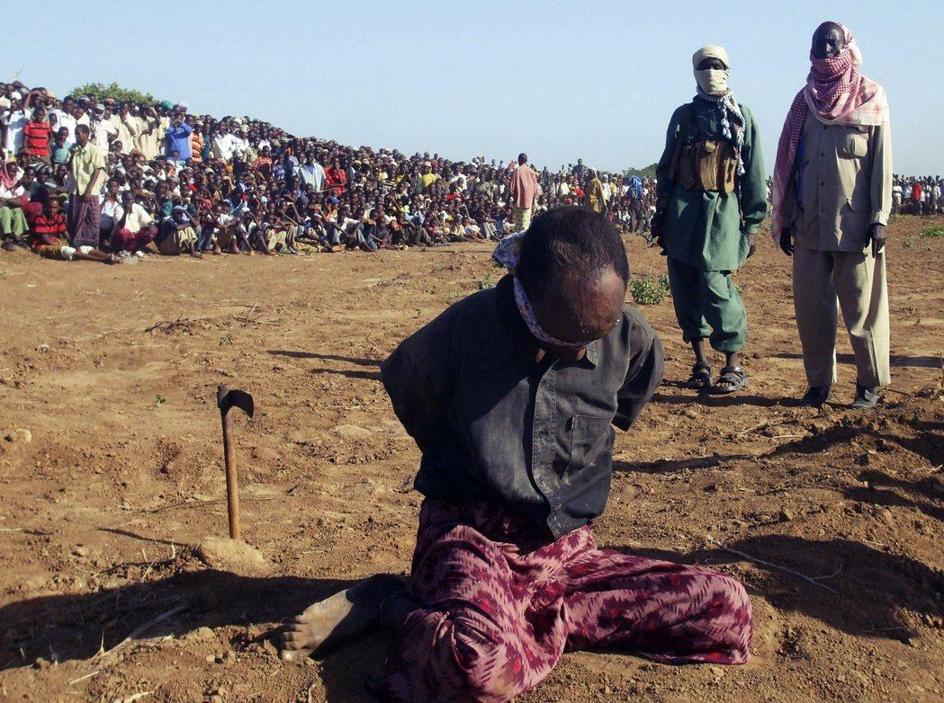 2004年開始,索馬利亞「青年黨」(al-Shabaab)趁著無政府狀態崛起,讓...