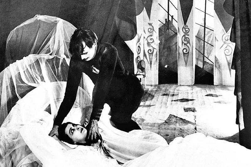 德國表現派電影《卡里加里博士的小屋》。 圖/IMDb