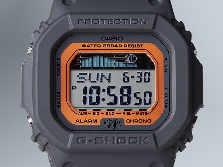 G-Shock GLX-5600MAD19腕表,表盤下方印有Madness Lo...