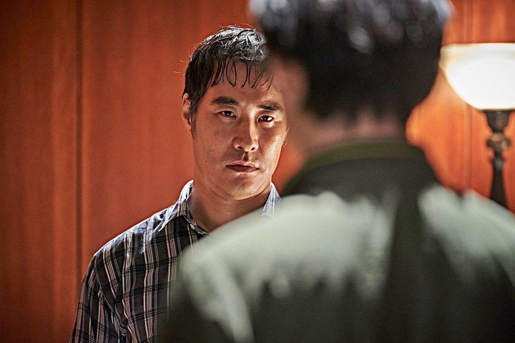 「抓住救命稻草的野獸們」3月27日正式上映。圖/双喜提供