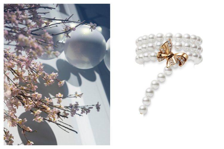(左)MIKIMOTO位於日本銀座四丁目的總店為迎來春天,換上櫻花美景的櫥窗。圖...