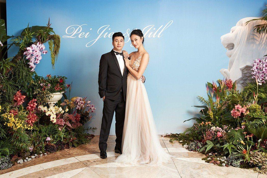 名模邱馨慧與新加坡籍老公黃PJ去年結婚。圖/凱渥提供