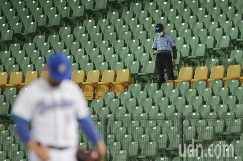 現在確定今年沒有六搶一資格賽和東京奧運,中職新賽季只需想辦法消化每隊的120場比賽。 記者黃仲裕/攝影