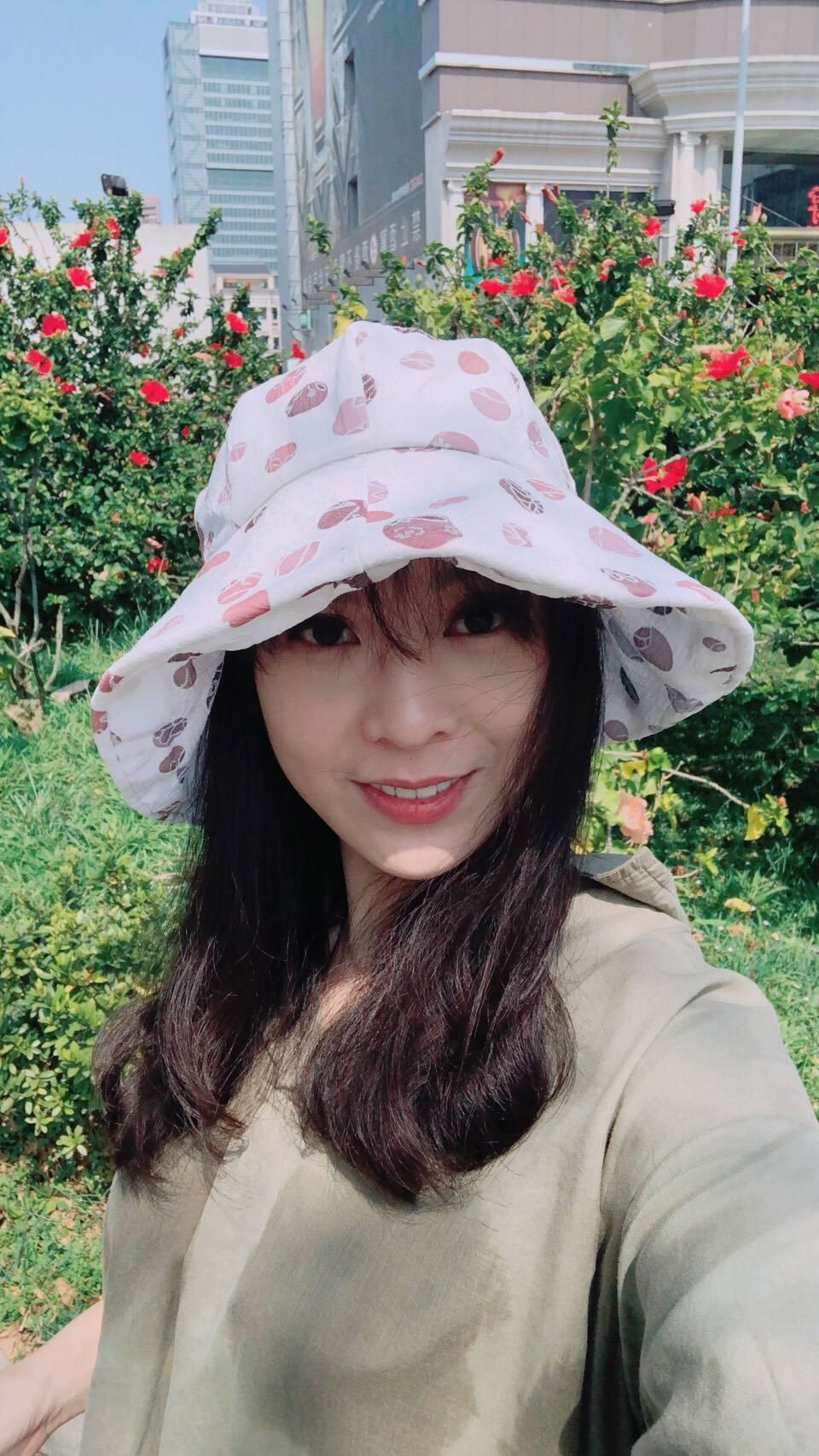 卓楚妍開心在南台灣邊曬太陽、邊拍戲。圖/卓楚妍提供
