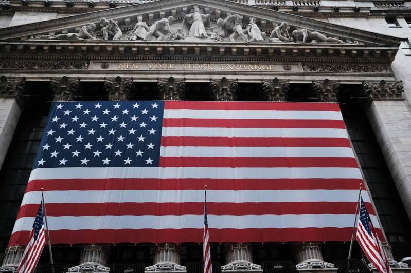 美股三大指數24日開盤齊步走高,道瓊試圖收復20000點大關。法新社