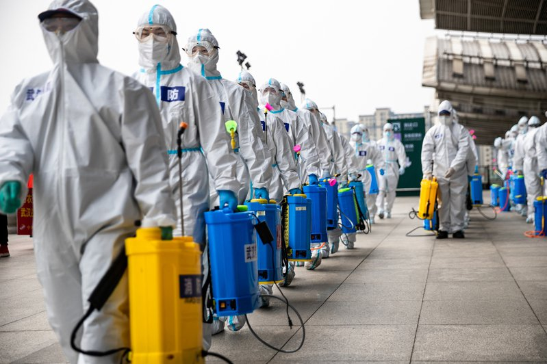 專家表示,所有人都警惕著第二波疫情的爆發,因為中國已經有境外輸入的病例出現。新一波感染何時擴散。圖/新華社