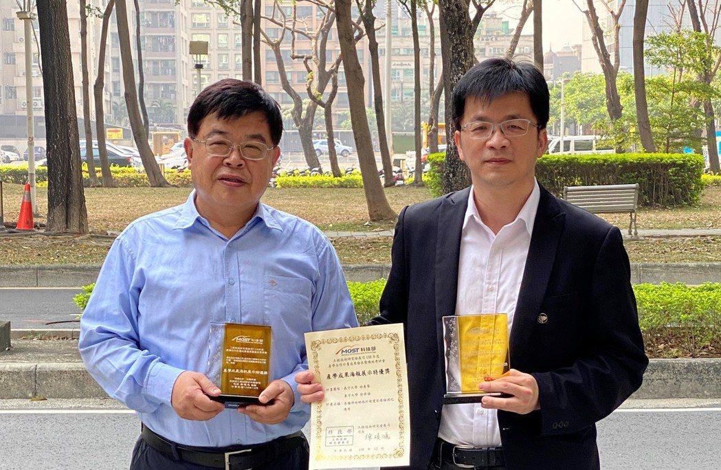 義守大學徐祥禎教授(左)與林義隆副教授協助業界廠商開發新製程與檢測技術。 義大/...