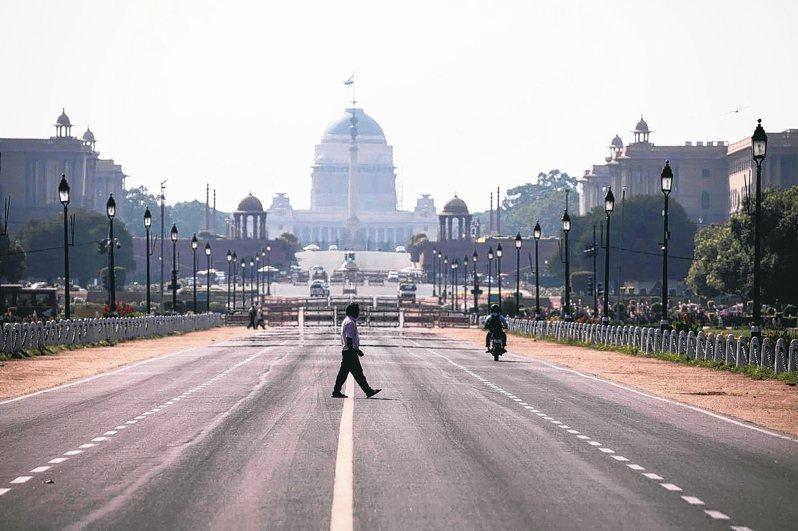 對抗新冠肺炎疫情,印度總理莫迪宣布自今日凌晨開始全面封鎖三周。 法新社