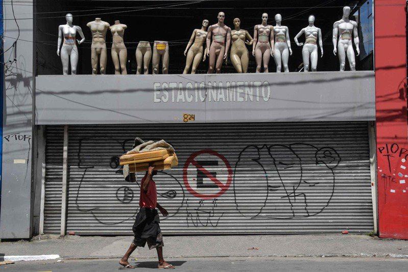 巴西目前近4000個確診病例,已知114人死亡。圖/法新社