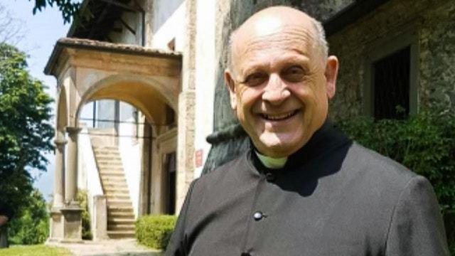 神父貝拉爾代利將呼吸機轉讓予一名素未謀面的年輕患者,最終於周一(23日)不治,終年72歲。圖擷自Twitter