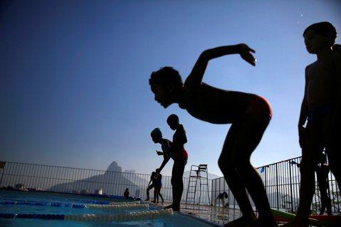 孩童溺水意外接連發生,什麼是實用的水域安全教育?