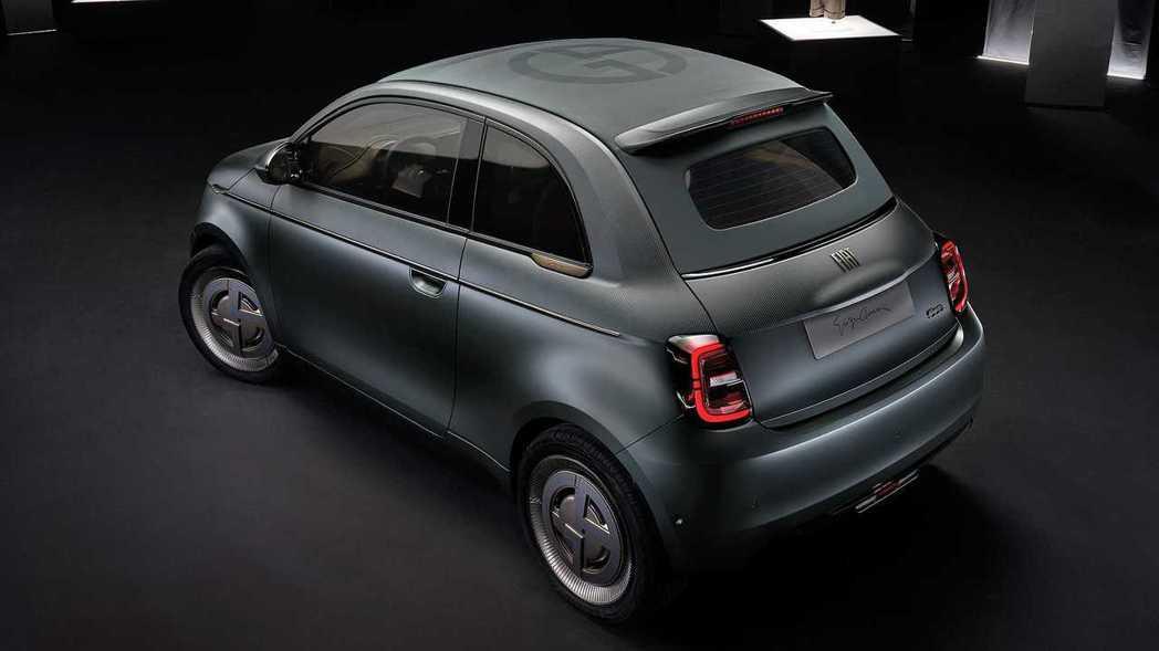 Fiat 500 Giorgio Armani。 摘自Fiat