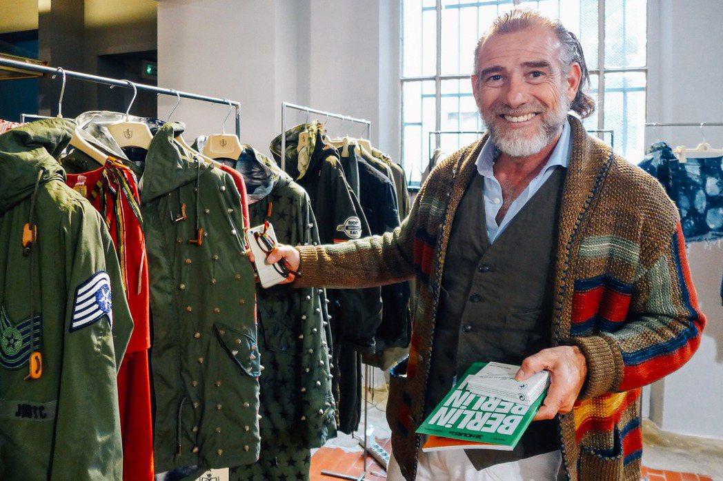 服裝品牌創辦人、男性時尚圈的網紅Alessandro Squarzi被譽為全世界...
