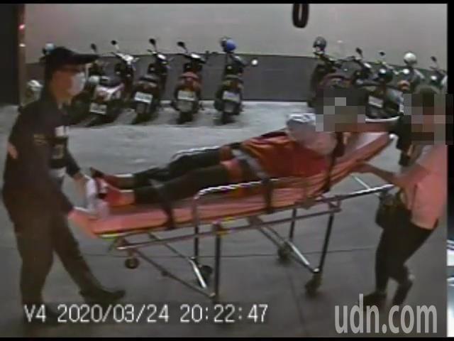 嘉義縣水上鄉福義軒食品工廠昨晚8時許34歲越南籍阮姓女工作人員疑操作不慎,右上臂遭機械絞斷,日前已順利接回。記者陳玫伶/翻攝