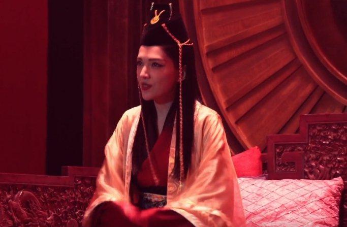 許瑋甯在廣告中扮成東方不敗。圖/擷自YouTube