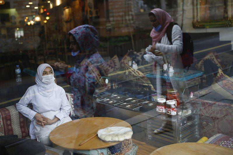 土耳其25日新增561起新冠肺炎病例、15人不治,累計確診數來到2433例,共59人死亡。圖/美聯社