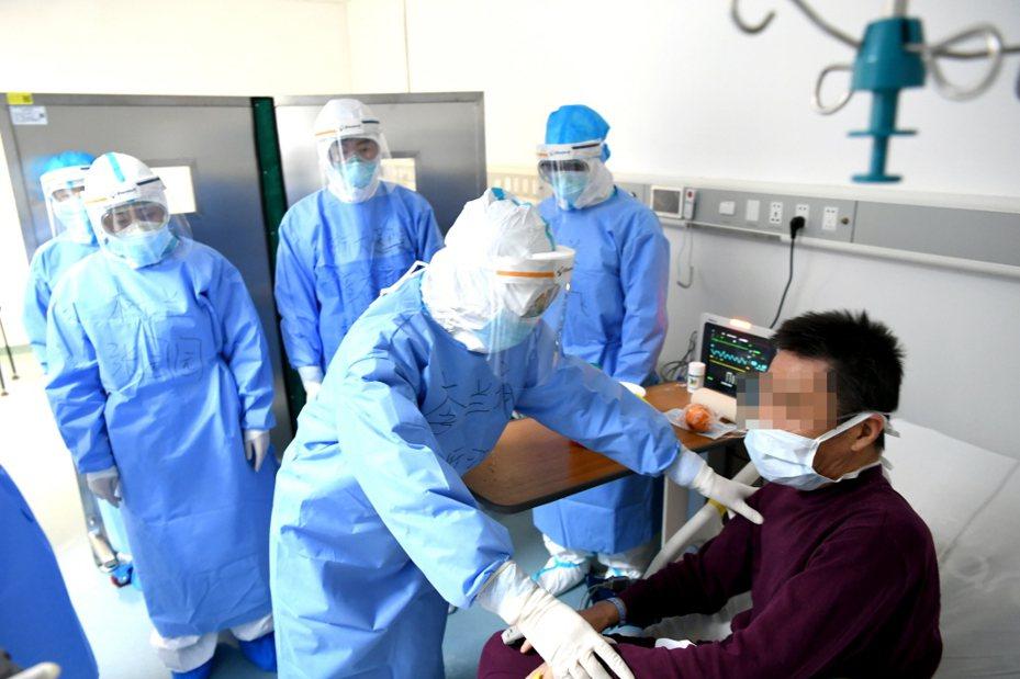 無國界記者組織表示,要是中國當局沒控制和審查,中國媒體本來可以更早讓大眾知道2019年冠狀病毒疾病疫情的嚴重程度,進而挽救上千人的生命,或許還能避免全球大流行。 中新社資料照片