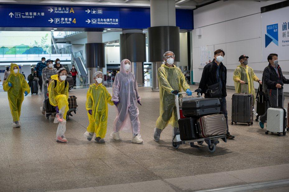 香港今天新增43人確診新冠肺炎,目前為止已累計453名患者。 歐新社
