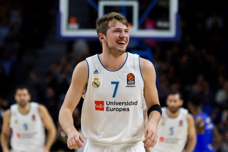 歐洲籃球聯賽日前評選出近10年的最佳陣容,僅打3年歐洲聯賽的唐西奇也入選。 歐新社