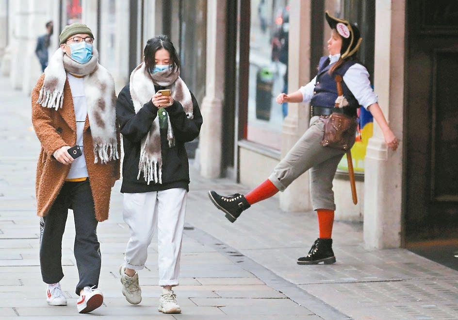 儘管倫敦新冠肺炎確診人數激增,但強生政府並未對倫敦實施局部封鎖措施,再度凸顯英國...