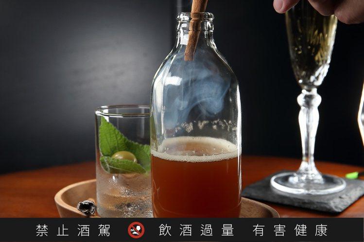 一言難盡,每杯250元。記者陳睿中/攝影