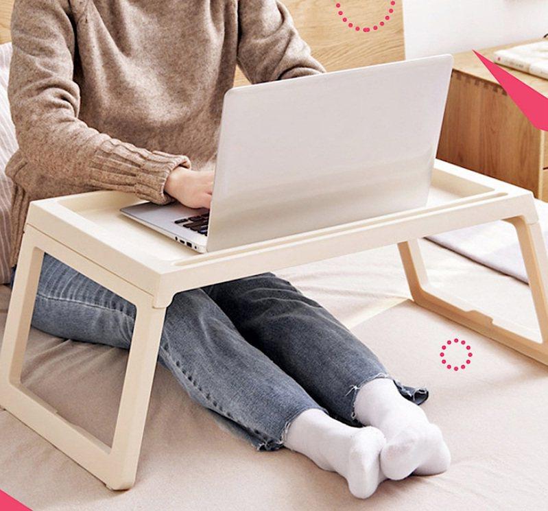 簡約摺疊筆記型電腦桌,原價499元、Yahoo奇摩超級商城特價269元。圖/Yahoo奇摩超級商城提供