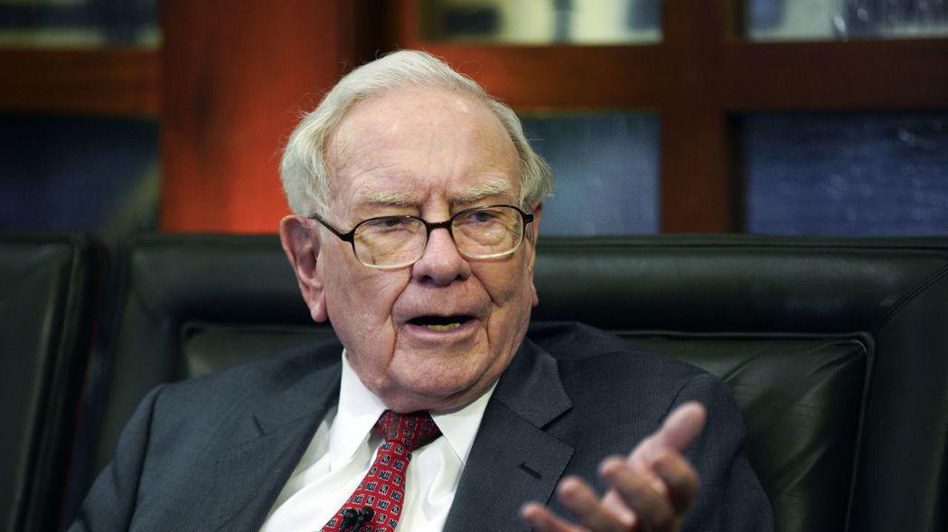 「股神」巴菲特以投資眼光精準著稱,但他的投資組合在這波股災中也難逃一劫。 美聯社