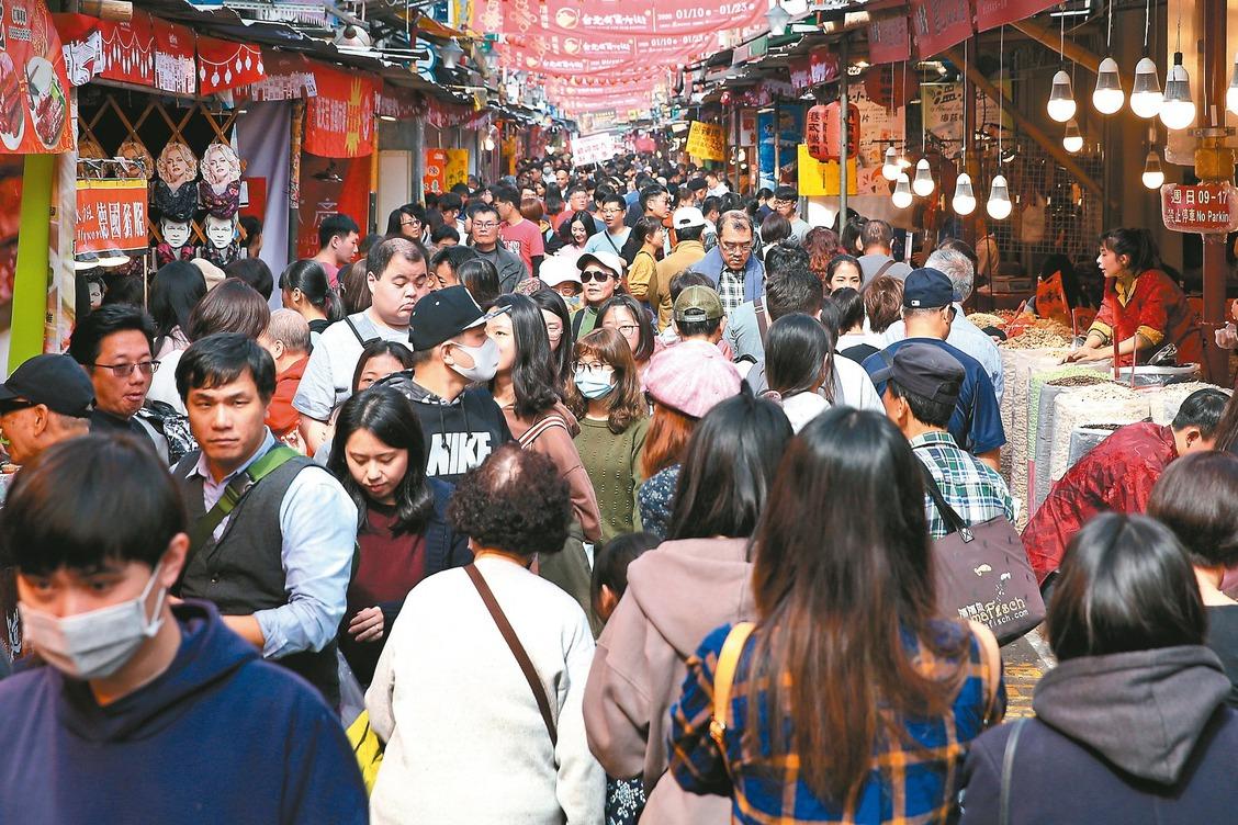 清明搭大眾交通工具返鄉 陳時中:建議所有人都戴口罩