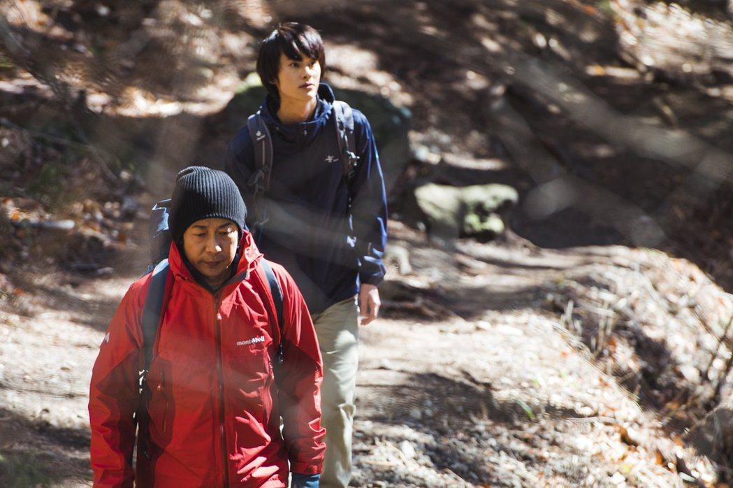 永瀨正敏提到在片中一場雪山登山戲拍攝過程很艱辛。圖/威視提供