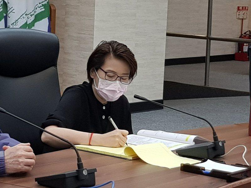 台北市副市長黃珊珊今天下午主持例行防疫應變會議。記者翁浩然/攝影