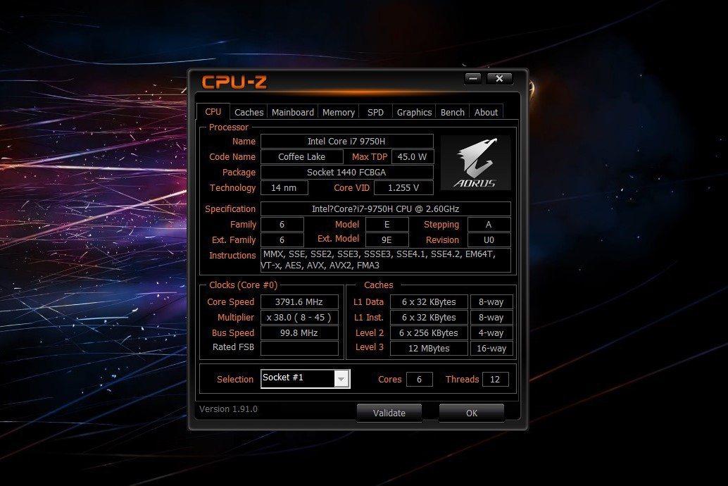 處理器為中高階筆電常見的Intel Core i7-9750H。 彭子豪/攝影