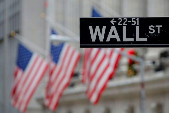 美國股市連三日勁揚,但漲勢能否守得住,仍須通過新冠肺炎疫情的考驗。圖/路透