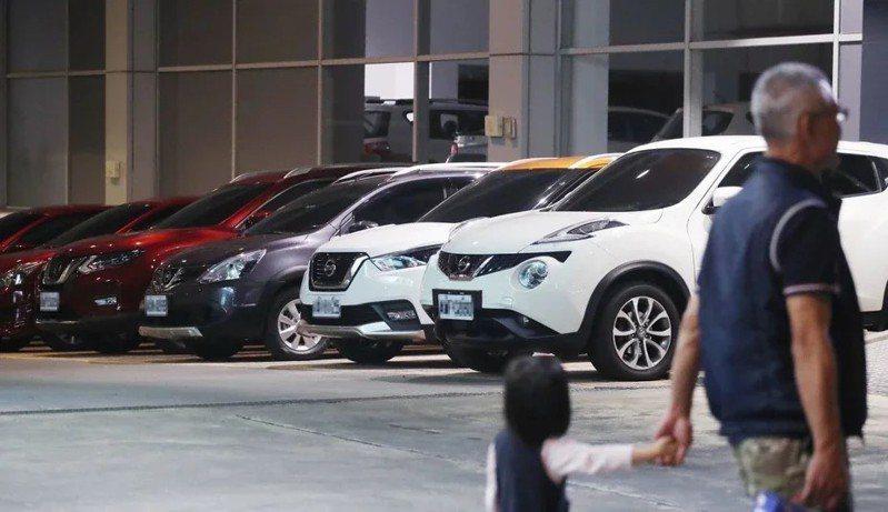 圖為裕隆集團總管理處旁的裕隆日產汽車新店旗艦店。 中央社資料照