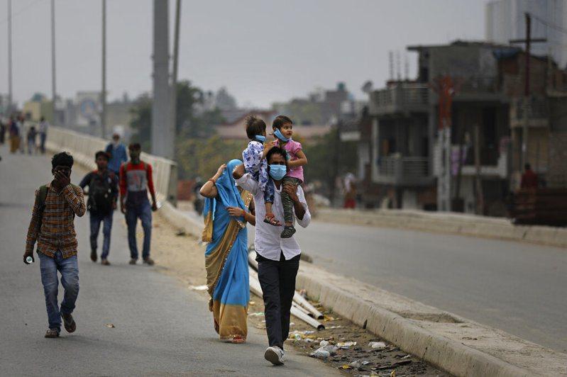 印度醫學研究委員會人員預估,印度武漢肺炎疫情將在4月底達到高峰。 美聯社
