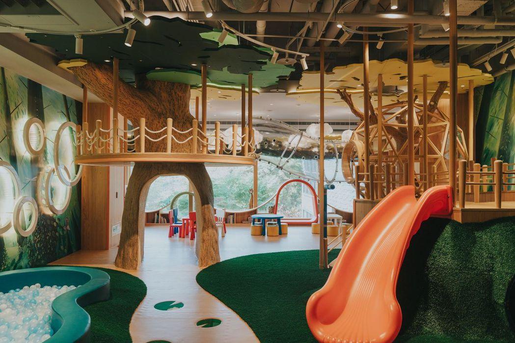雲品溫泉酒店推出「兒童節限時同樂住房專案」,招待一位兒童免費入住,還可暢玩「雲遊...