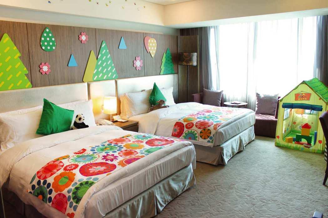 入住台中兆品酒店豪華家庭房,每房加價500元即可升等限量親子主題房型,再加贈Be...
