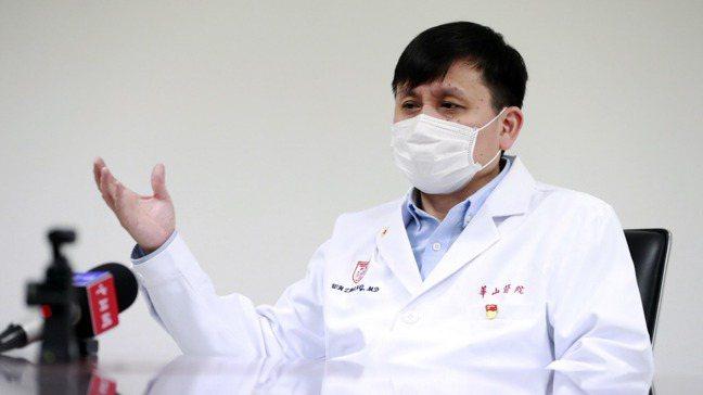 上海市醫療救治專家組組長、復旦大學附屬華山醫院感染科主任張文宏。新華社