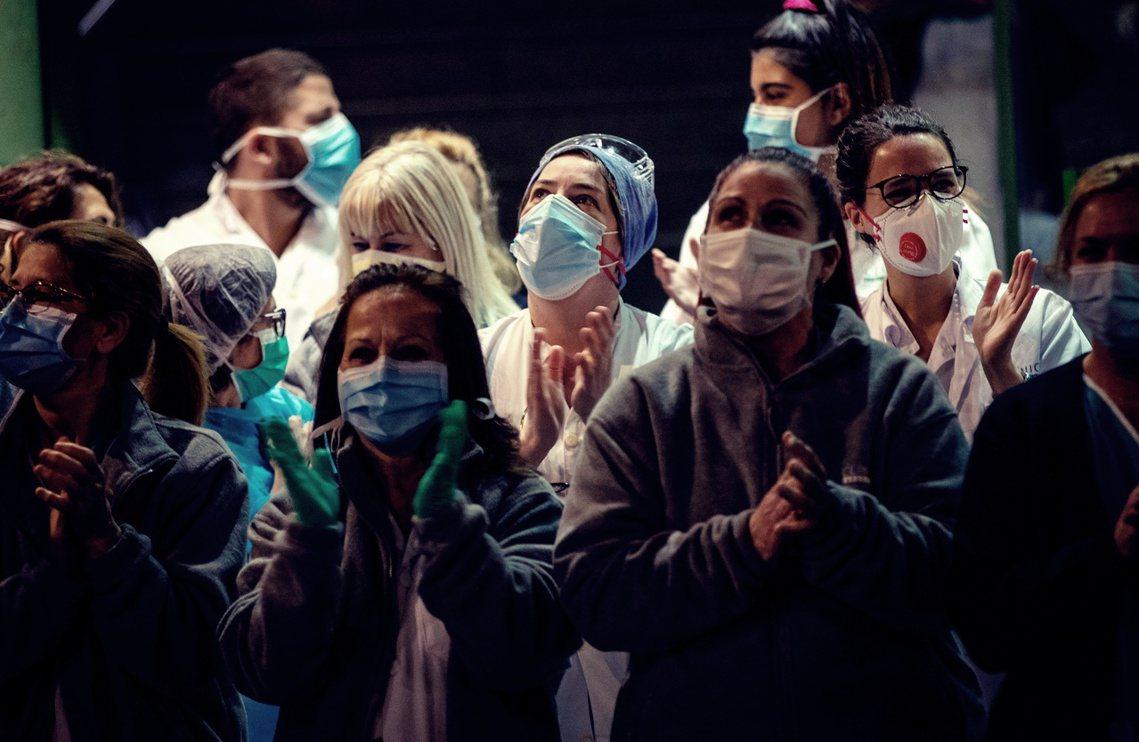 全球疫情第四嚴重的國家——西班牙——26日晚間再度爆發嚴重的防疫弊案,一批「中國...