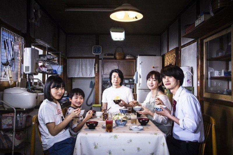 全家人能夠一起吃飯,是一件很幸褔的事@Yahoo!電影
