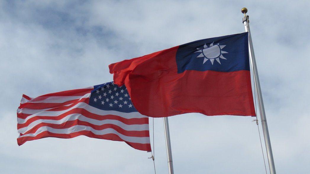 美國總統川普26日簽署生效台北法案,法案內容為挺台鞏固邦交與國際參與空間。 報系...