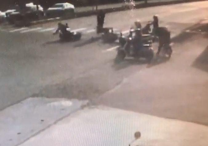 嘉義縣朴子市嘉168線與嘉157線交岔路口,上午7點多上班時間,發生機車撞機車車禍,造成1男2女騎士受傷。 記者魯永明/翻攝