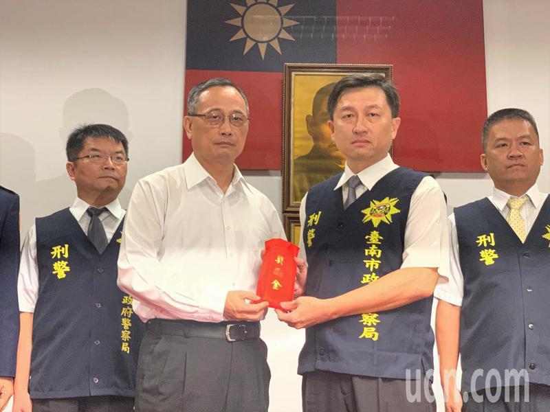 台南市刑警大隊長林宏昇(右)。本報資料照片/記者吳淑玲/攝影