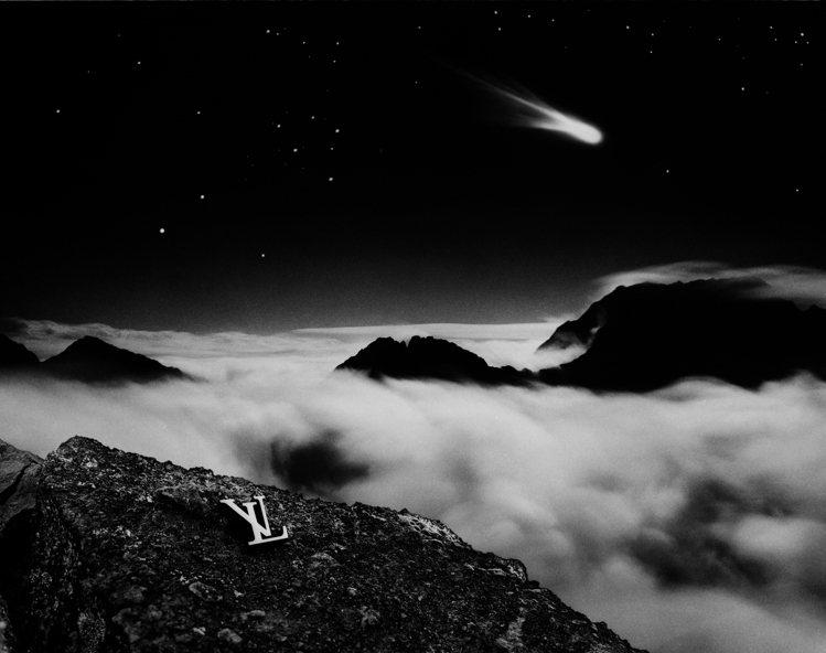 Jean Larivière1986年於印度洋西部法屬留尼旺島拍攝的「彗星的告別...