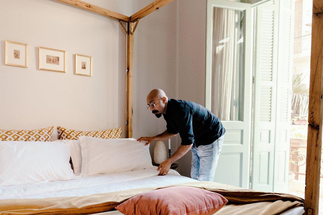 Airbnb積極與協助醫護和相關抗疫人員尋找房源,Airbnb房東可以自由選擇是...