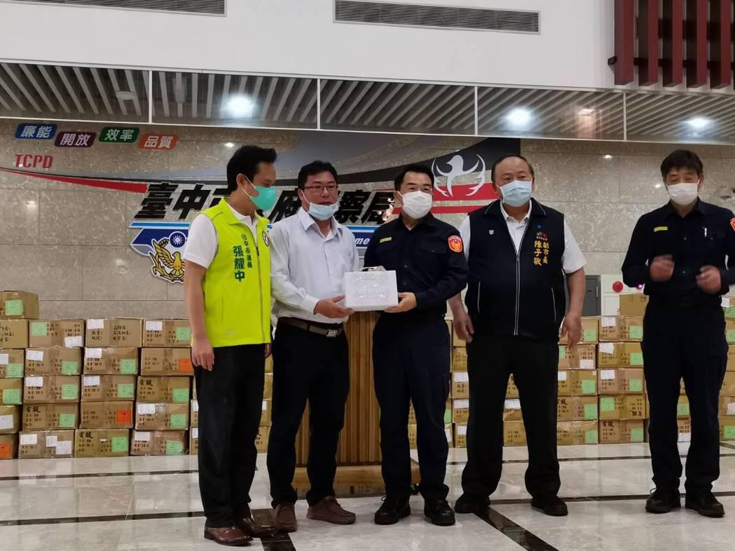 中華民國資源回收公會全國聯合會理事長、同時也擔任台南市守望相助巡守大隊大隊長的企...