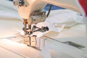 德國人也出手了!男裝品牌BOSS麥琴根廠房投入生產口罩