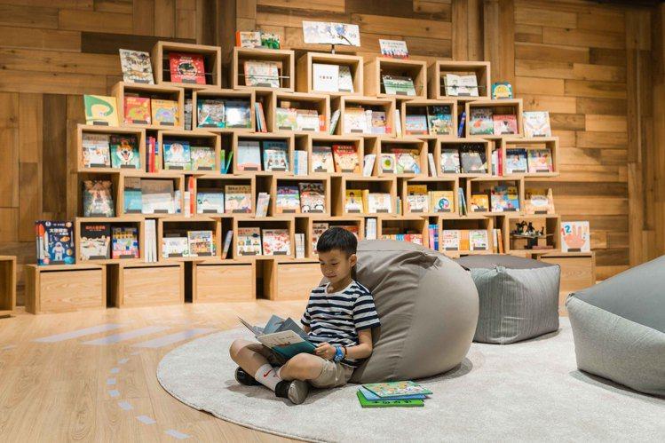 兒童休憩區提供懶骨頭沙發及童書繪本閱覽。圖/無印良品提供