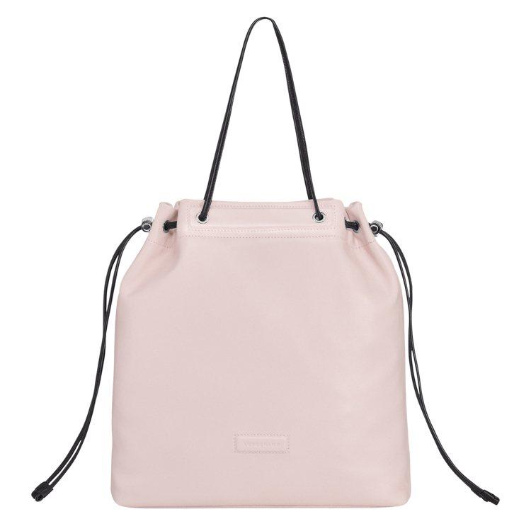 LONGCHAMP Roseau Souple蜜粉色肩背包,售價23,100元。...